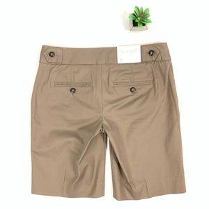 GAP Flat Front Low-Rise Hip Slung Fit Chino Short